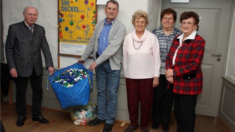 Senioren sammeln 7386 deckel gegen polio salzgitter for Welche deckel sammeln